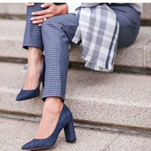 BANANA REPUBLIC MADISON BLOCK HEEL POINT TOE PUMP
